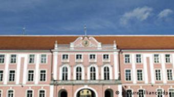 Das ehemalige Schloss auf dem Domberg in der estnischen Hauptstadt Tallinn ist heute Sitz des Parlaments, Foto: dpa