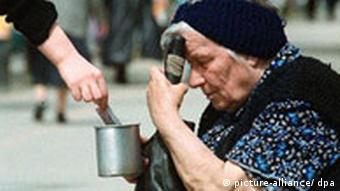Armut in Bulgarien Rentnerin in Sofia