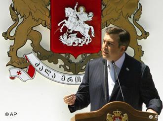 Der georgische Präsident Micheil Saakaschwili verteidigt seine Macht