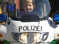Полицию в Германии боятся только преступники
