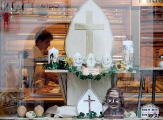 Marktl is pulling out all the stops to welcome Benedict --like this window front of a bakery