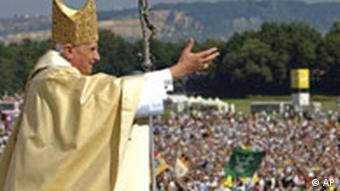 Papst Benedikt XVI. in Bayern - Regensburg Islinger Feld