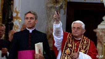 Papst Benedikt in Deutschland Regensburg Orgel