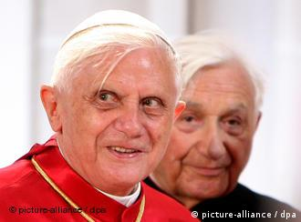 Pope Benedict XVI and his brother Georg (right)