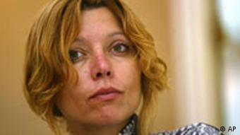 Porträtfoto die türkische Schriftstellerin Elif Safak