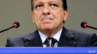 Jose Manuel Barroso pausing during a speech