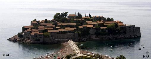 Sveti Stefan, crnogorski biser turističke ponude.