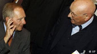 Islam Konferenz in Berlin Wolfgang Schäuble und Ayyub Köhler