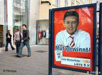 Cartaz exibe candidato do BZÖ, partido do populista de direita Jörg Haider