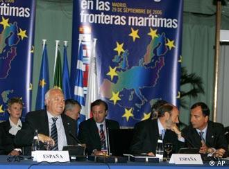España avanza en el propósito de fraguar una respuesta europea al problema de los ilegales.