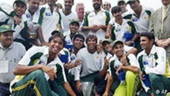 Pakistan cricketers and team