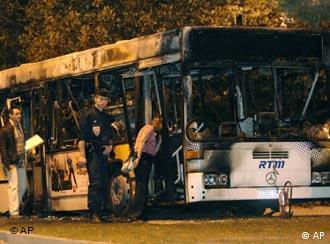 Grupo de jovens ateou fogo em ônibus em Marselha