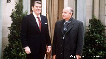 Reagan and Gorbachev in Geneva in 1985