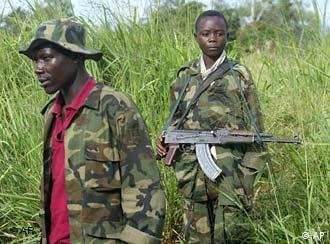 Kindersoldat der Rebellenbewegung Union Kongolesischer Patrioten