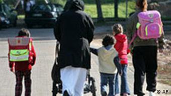 Deutschland Ausländer Bleiberecht Symbolbild