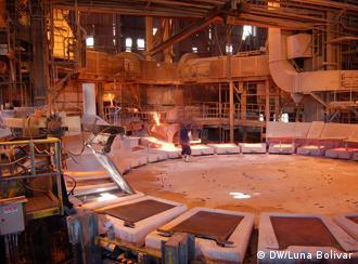 Interior de la planta de fundición en Chuquicamta, Chile.