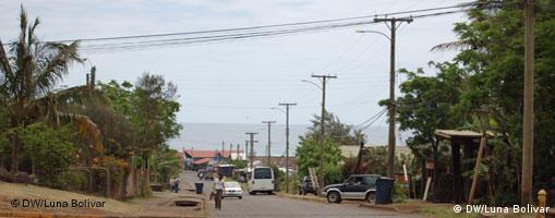 El turismo y la cantidad de residentes representan un desafío ecológico para Rapa Nui.