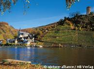 Вид на крепость и Бейльштейн с противоположного берега реки