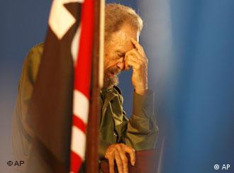 Fidel ya no es presidente, pero sigue presente en la vida de los cubanos.