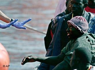 Ministro maltês adverte que a cada ano morrem 600 refugiados africanos às portas da Europa