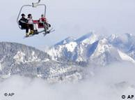 Подъемник в Альпах: выше облаков