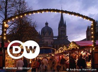 Alle Jahre wieder erstrahlt der Marktplatz in Aachen in festlichem Glanz. Über 100 Händler, Handwerker, Künstler und Gastronomen bieten rund um Dom und Rathaus ihre Waren an.