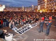 西班牙巴斯克地区支持埃塔分裂主义组织的民众举行示威