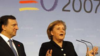 German Chancellor Angela Merkel with EU Commission President Jose Manuel Barroso
