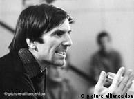 Rudi Dučke (Dutschke) - studentski vođa iz 1968. godine je teško ranjen u atentatu Josefa Bachmanna, koji je ga je poznavao samo na osnovi huškačkih tekstova BILD-a