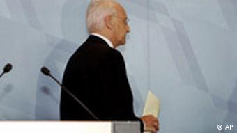 Deutschland Bayern CSU Ministerpräsident Edmund Stoiber erklärt Rücktritt