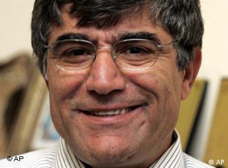 هرانت دینک روزنامه نگار ارمنی ترکیه که ژانویه ۲۰۰۷ ترور شد