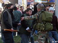 درگیری طرفداران حزبالله با ارتش لبنان در سال ۲۰۰۷ میلادی. آیا لبنان بار دیگر شاهد ناآرامیها خواهد بود؟