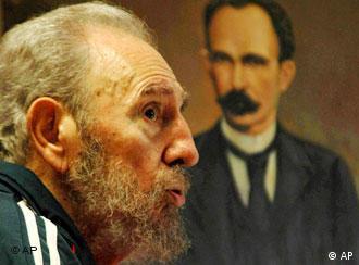 Pese a la enfermedad que lo obligó a apartarse del gobierno, Fidel mantiene su derecho a veto.