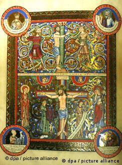 El arte medieval se despliega en las 800 páginas de los Evangelios de Enrique el León.