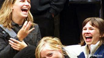 Lachende Schülerinnen, normales Format