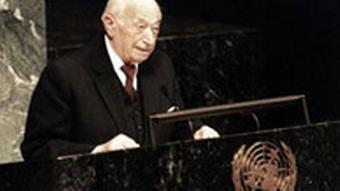 Simon Wiesenthal speaking at the United Nations