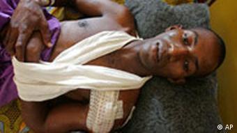 Verletzter Demonstrant in einem Hospital in Conakry, Guinea