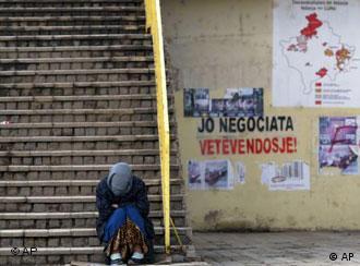 Poruke o nezavisnosti sa zidova Prištine