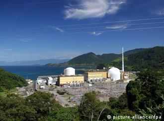 As usinas nucleares Angra 1 e 2, em Angra dos Reis, no estado do Rio de Janeiro