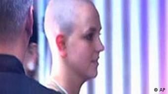 Britney Spears mit kahlgeschorenem Kopf