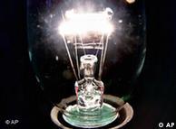 Las bombillas convencionales emiten excesivo azul.