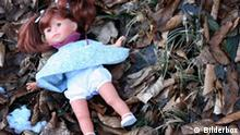 Puppe im Wald - girl doll in the woods