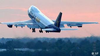Deutschland Klima Luftverkehr Flugzeug Start in Düsseldorf