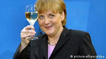 Merkel mit Weinglas