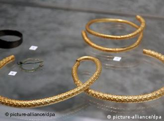Roman golden necklaces, originally found in East Prussia -- Russians also stole art from Germany