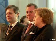 Министр Леонид Рейман, вице-премьер правительства РФ Сергей Нарышкин и канцлер Германии Ангела Меркель на официальном открытии российского павильона