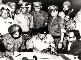Indian, Defense, Ministry, Jagjit, Singh, Aurora, Niazi, Pakistan, army, surrender, document, 1971, Pakistan, independent, Bangladesh, হামিদুর, জীবন, মা, ঝিনাইদহ, স্বাধীন, একাত্তর