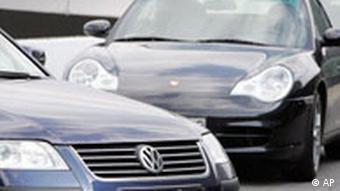 Bald unter einem Dach - die Autos von VW und Porsche (Archivfotos)