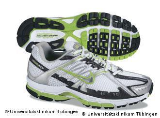 e9c651f3449d7 أهم طرق التخلص من رائحة الأحذية الكريهة