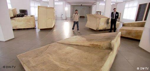 Unschlitt/Tallow, Wärmeskulptur, auf Zeit hin angelegt
